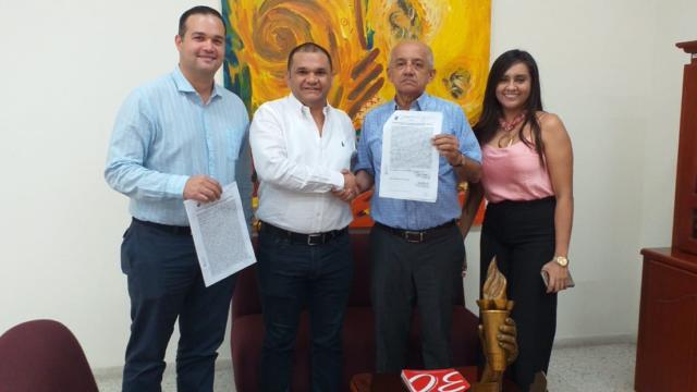 Director del AMV Gestionó Donación a la UPC de un Laboratorio Solar Fotovoltaico