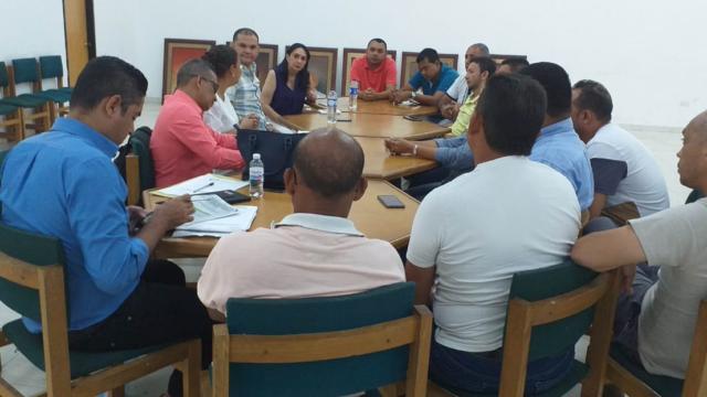 AMV en mesa de trabajo con Alcaldía de la Paz y transportadores